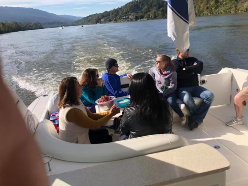 2020 Fall Color Cruise people on the boat